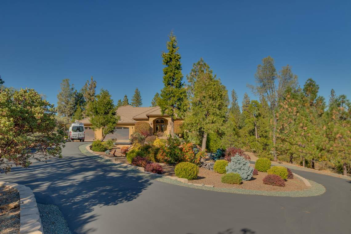11492-Deer-Creek-Ln-Nevada-print-001-006-Front-of-Home-4200x2800-300dpi