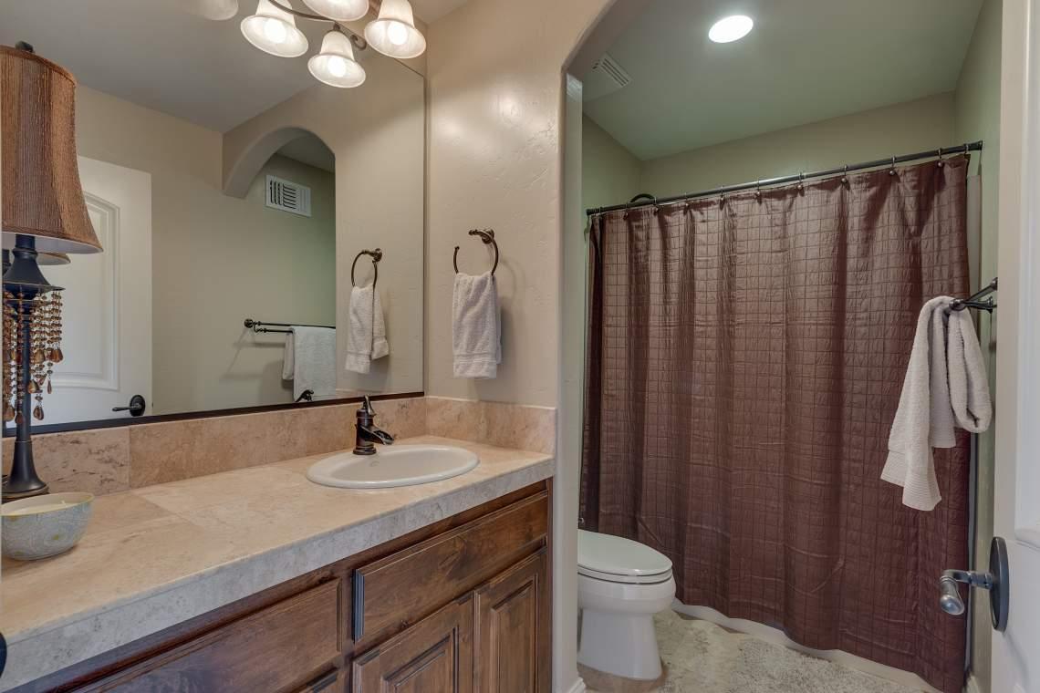 11492-Deer-Creek-Ln-Nevada-print-033-034-Guest-Apartment-Bathroom-4200x2800-300dpi