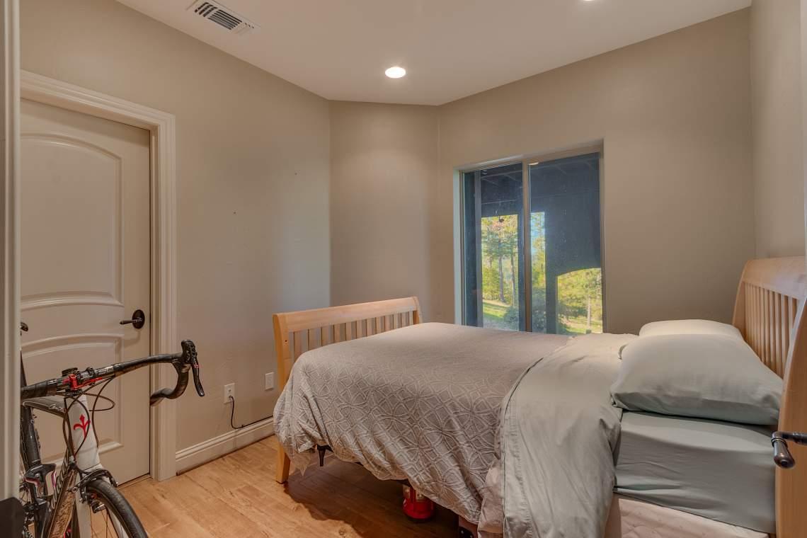 11492-Deer-Creek-Ln-Nevada-print-034-033-Guest-Apartment-Bedroom-4200x2801-300dpi