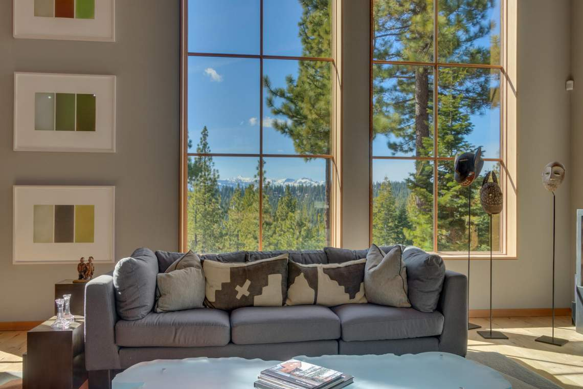 13005-Falcon-Point-Pl-Truckee-large-007-036-Living-Room-1500x1000-72dpi
