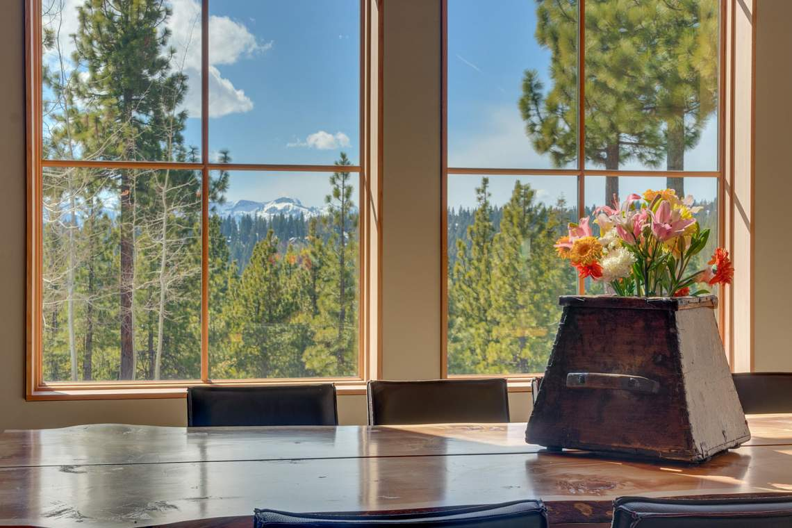 13005-Falcon-Point-Pl-Truckee-large-008-023-Dining-Room-1500x1000-72dpi