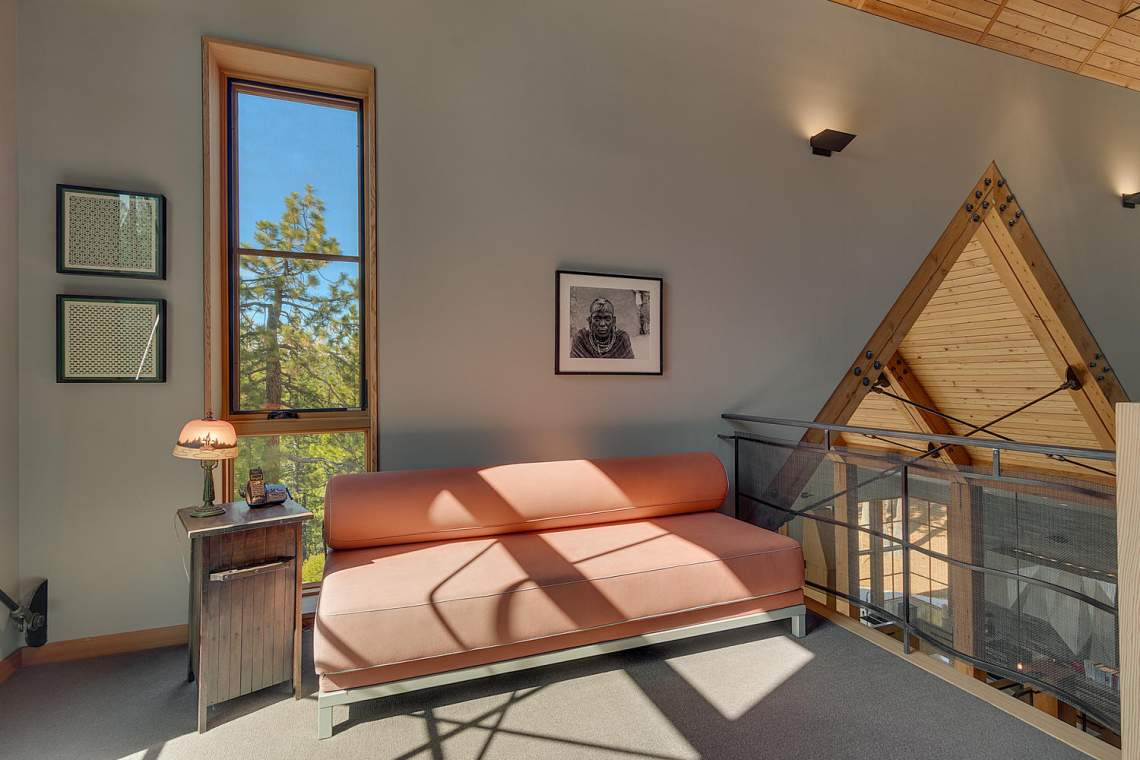 13005-Falcon-Point-Pl-Truckee-large-024-048-Loft-1500x1000-72dpi