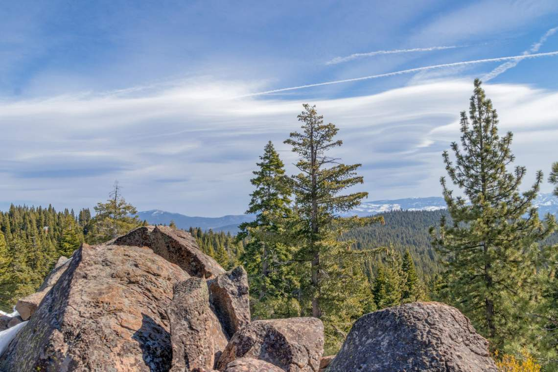 13005-Falcon-Point-Pl-Truckee-large-050-025-View-1500x1000-72dpi