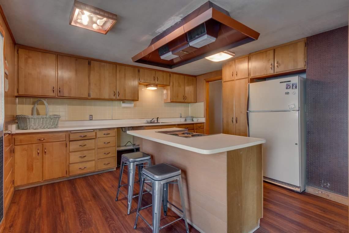 1754-US50-Glenbrook-NV-89413-large-013-023-Kitchen-1500x1000-72dpi