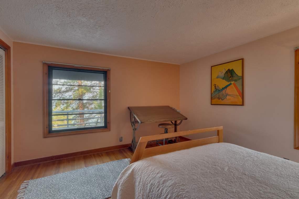 1754-US50-Glenbrook-NV-89413-large-015-016-Bedroom-1500x1000-72dpi