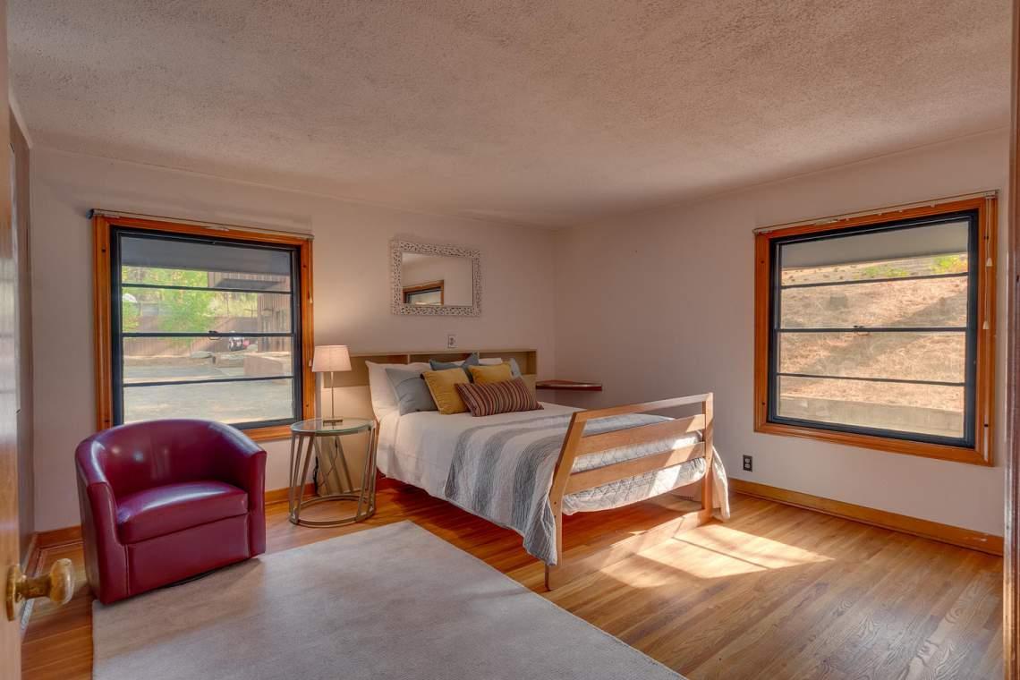 1754-US50-Glenbrook-NV-89413-large-017-012-Master-Bedroom-Ensuite-1500x1000-72dpi