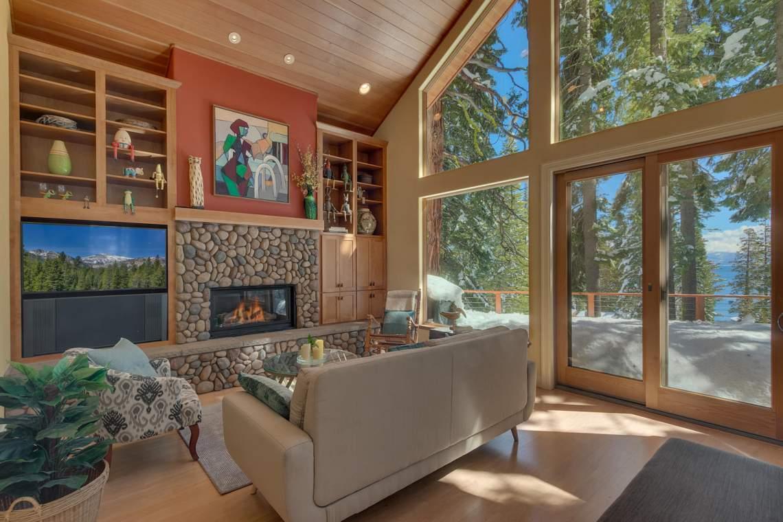 194-Simplon-Pass-Rd-Homewood-large-002-004-Living-Room-1500x1000-72dpi