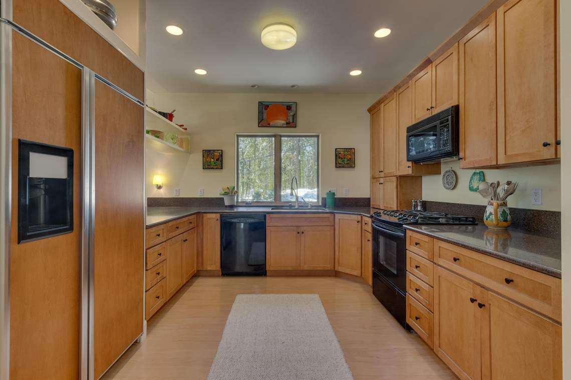 194-Simplon-Pass-Rd-Homewood-large-006-023-Kitchen-1500x1000-72dpi
