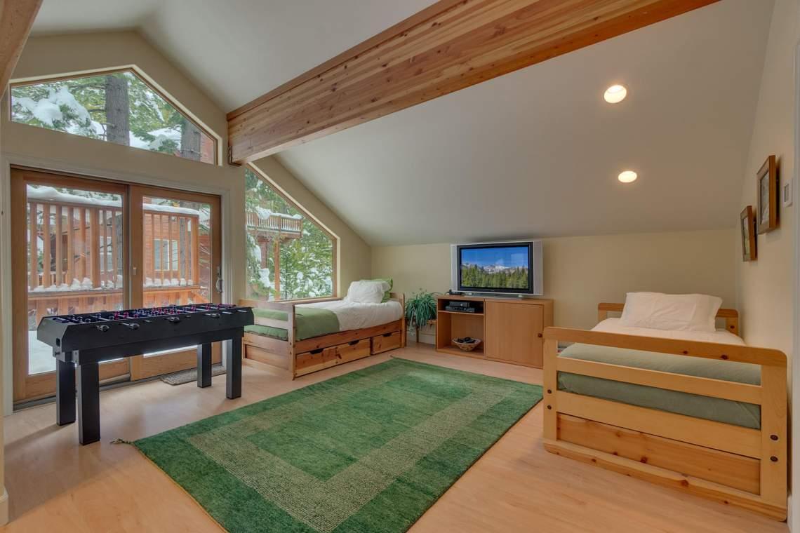 194-Simplon-Pass-Rd-Homewood-large-009-025-Loft-Bonus-RoomBedroom-1500x1000-72dpi