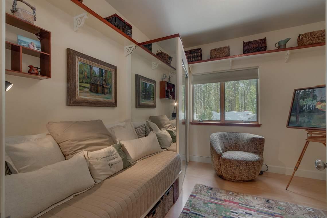 194-Simplon-Pass-Rd-Homewood-large-020-019-Art-StudioBedroom-1500x1000-72dpi