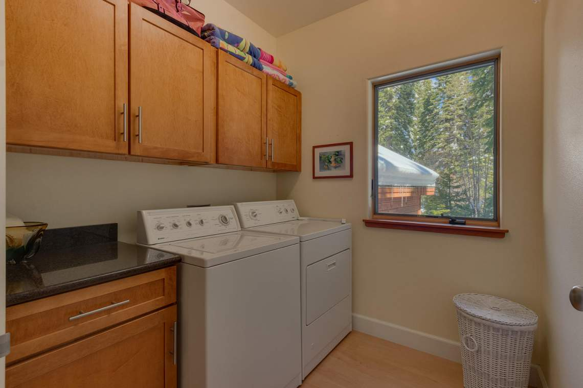 194-Simplon-Pass-Rd-Homewood-large-022-018-Laundry-1500x1000-72dpi