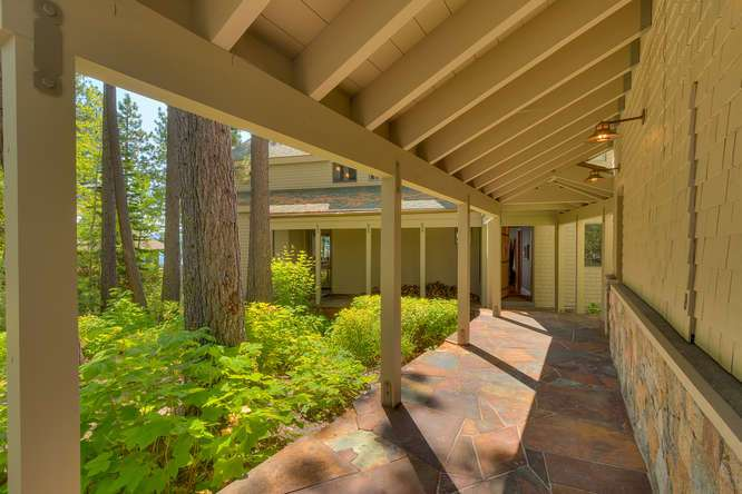 2200-N-Lake-Blvd-Tahoe-City-CA-small-004-009-Covered-Walkway-666x444-72dpi