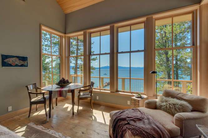 2200-N-Lake-Blvd-Tahoe-City-CA-small-011-029-Living-Room-666x445-72dpi