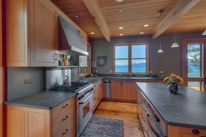 2200-N-Lake-Blvd-Tahoe-City-CA-small-015-013-Kitchen-666x444-72dpi