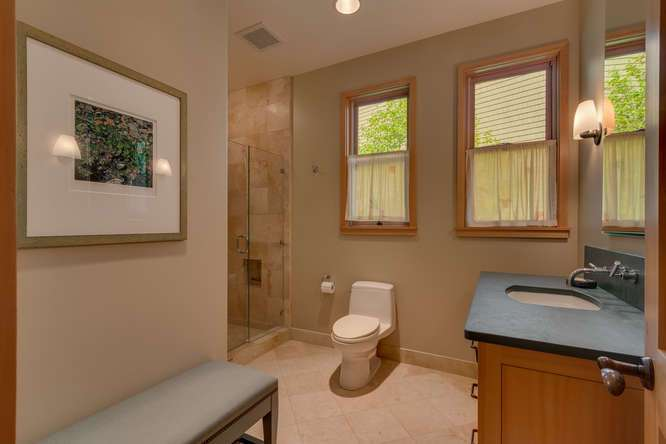 2200-N-Lake-Blvd-Tahoe-City-CA-small-044-045-Bathroom-666x444-72dpi