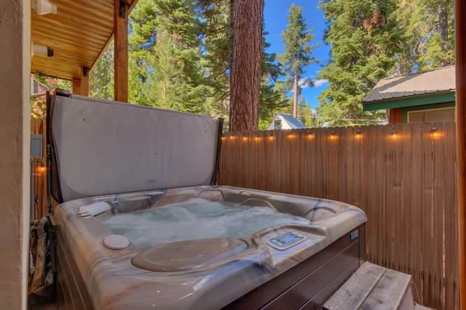 5019 California St Carnelian-small-037-33-Hot Tub-666x444-72dpi