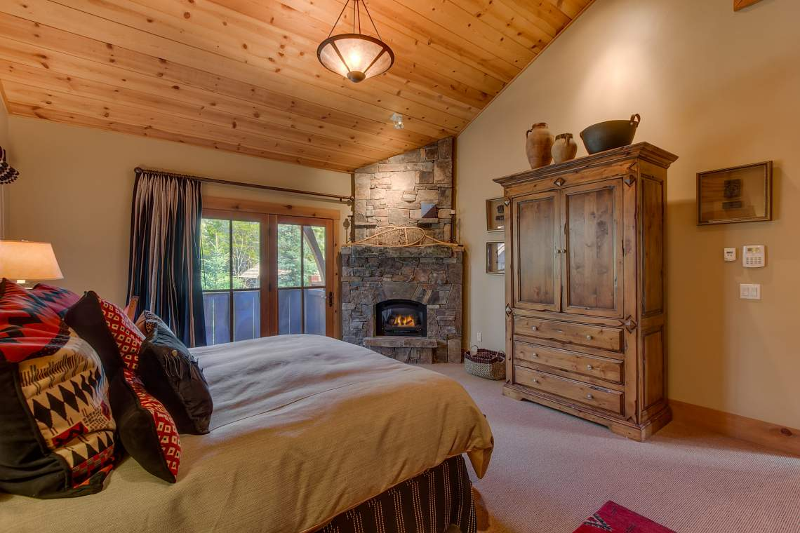 83 Winding Creek Way Olympic-print-018-14-Master Bedroom Ensuite-4200x2800-300dpi
