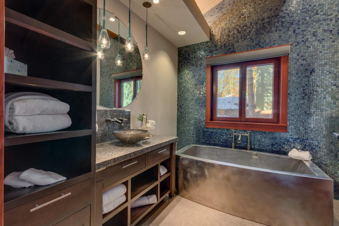 91-Winding-Creek-Rd-Olympic-large-019-017-Master-Bathroom-1500x1000-72dpi