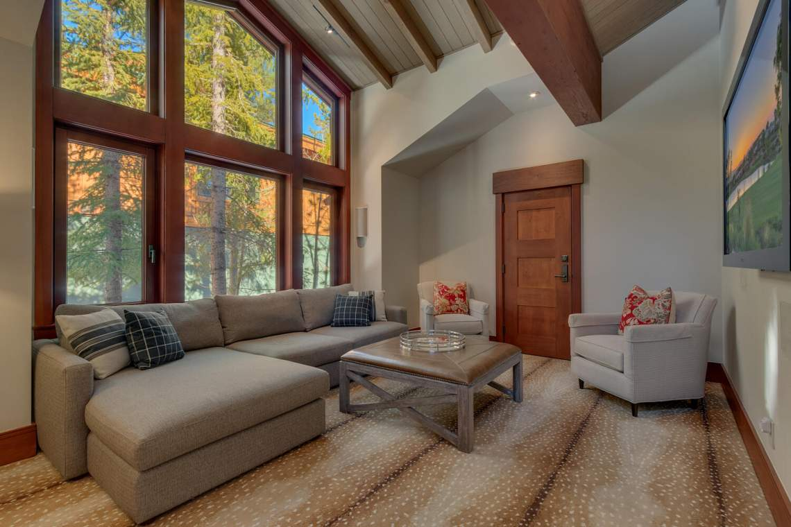 91-Winding-Creek-Rd-Olympic-large-028-025-Family-Room-1500x1000-72dpi