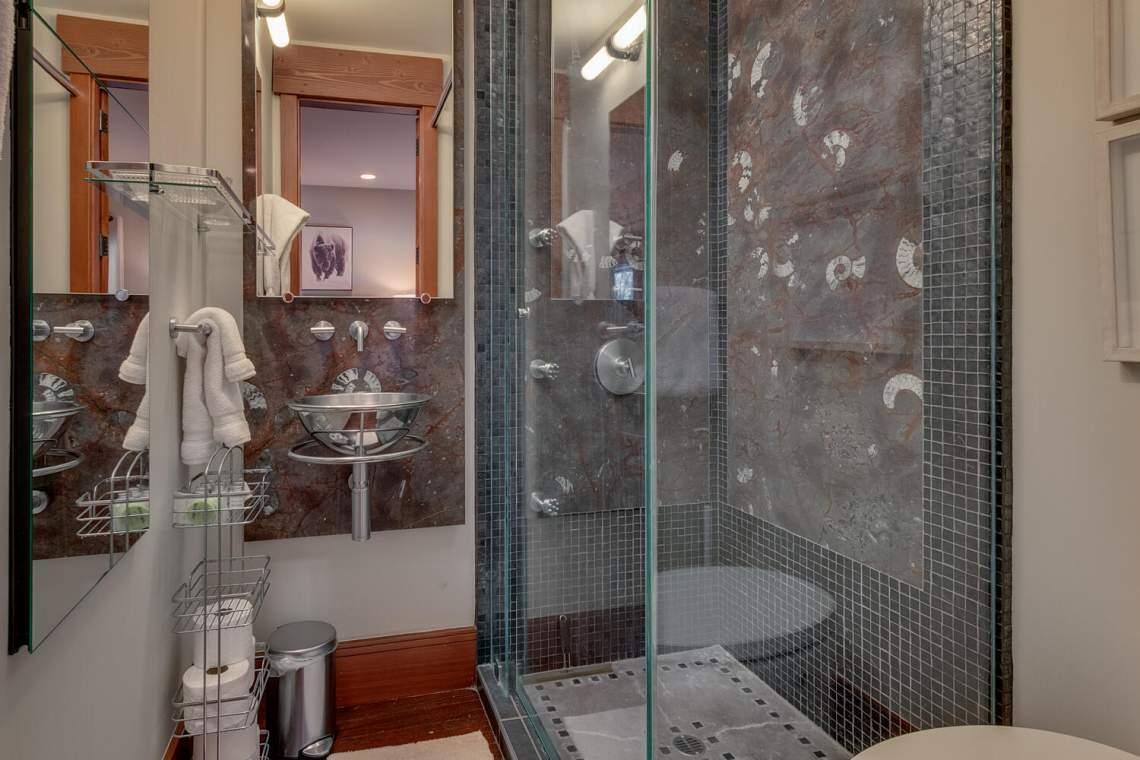91-Winding-Creek-Rd-Olympic-large-032-032-Bathroom-1500x1000-72dpi