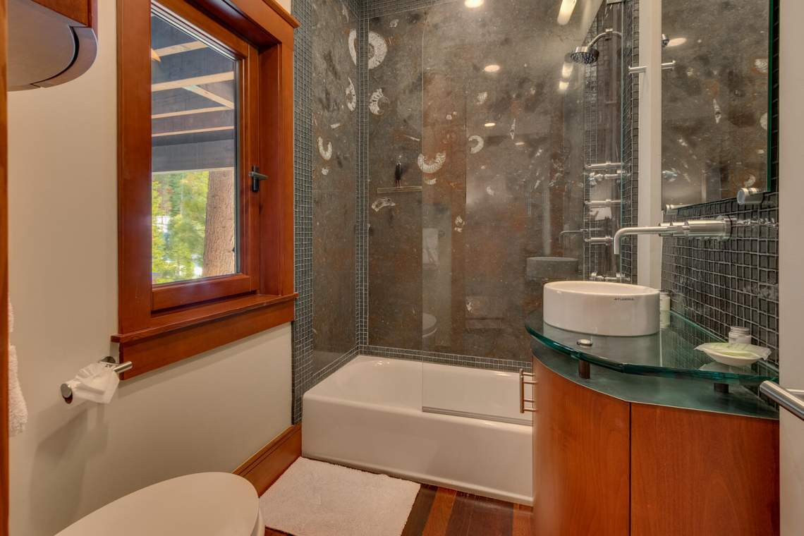 91-Winding-Creek-Rd-Olympic-large-034-041-Bathroom-1500x1000-72dpi