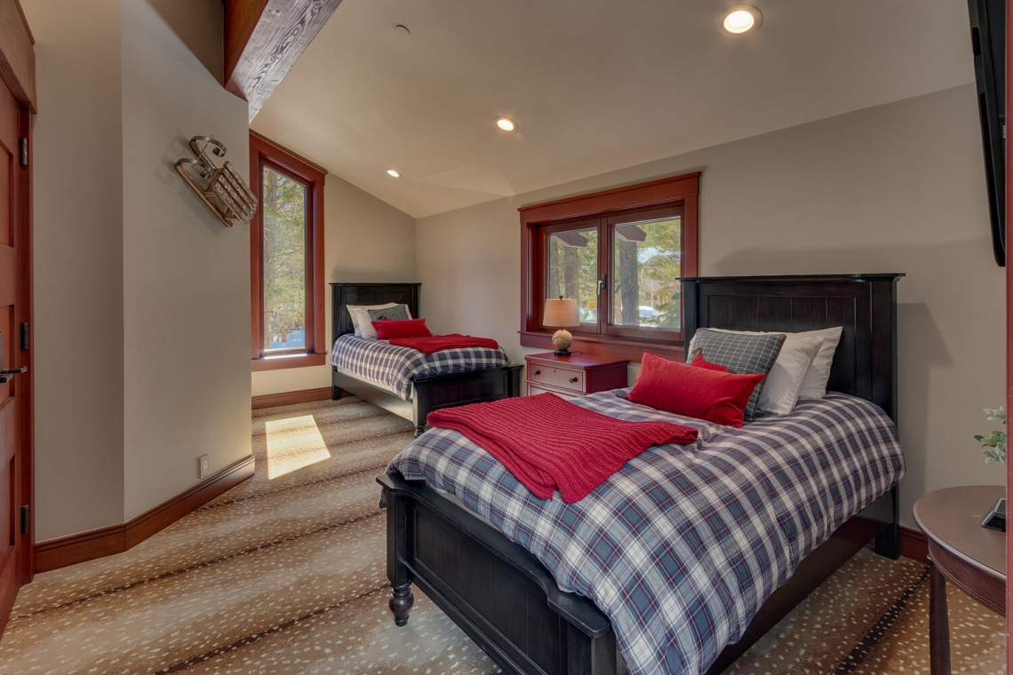91-Winding-Creek-Rd-Olympic-large-045-042-Apartment-Bedroom-1500x1000-72dpi