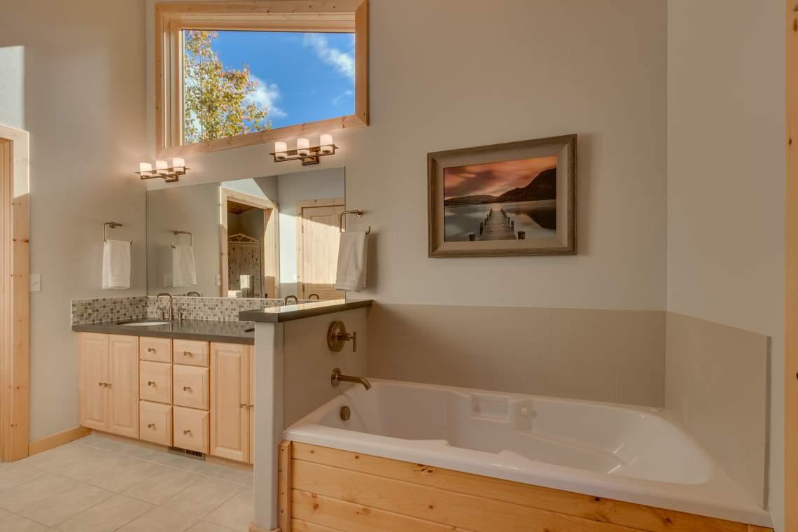 92 Winding Creek Way Olympic-print-017-16-Master Bath-4200x2800-300dpi