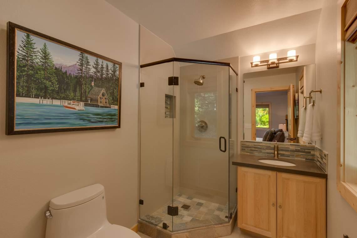 92 Winding Creek Way Olympic-print-021-8-Bathroom-4200x2801-300dpi