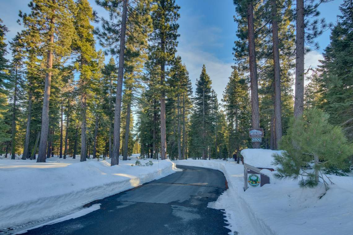 2900-Polaris-Rd-Tahoe-City-CA-large-002-009-Path-to-House-1500x1000-72dpi