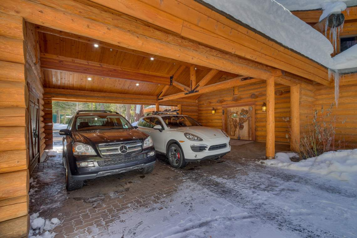2900-Polaris-Rd-Tahoe-City-CA-large-043-011-Porte-Cochere-1500x1000-72dpi