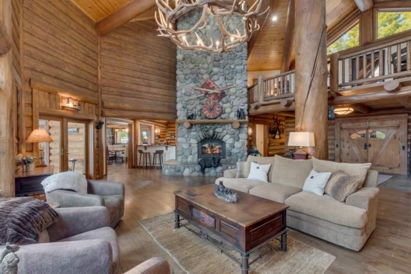 2900-Polaris-Rd-Tahoe-City-CA-large-005-013-Living-Room-1500x1000-72dpi