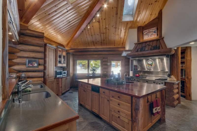 2900-Polaris-Rd-Tahoe-City-CA-large-018-015-KitchenKeeping-1500x1000-72dpi