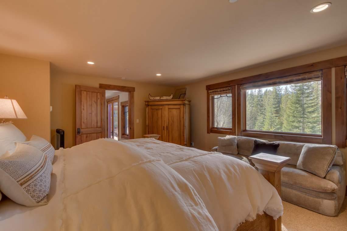 115 Creekview Ct  3950000-large-002-101-Bedroom En suite-1500x1000-72dpi