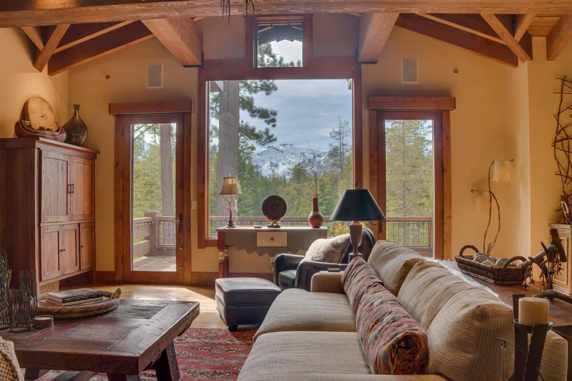 115 Creekview Ct  3950000-large-009-105-Living Room-1500x1000-72dpi