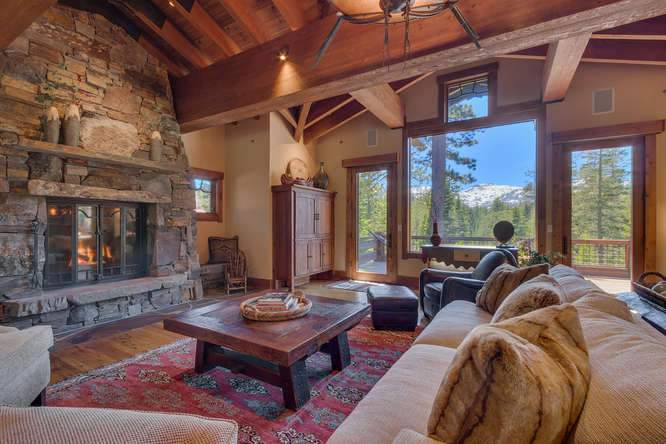 115 Creekview Ct 3950000-small-005-82-Great Room-666x444-72dpi
