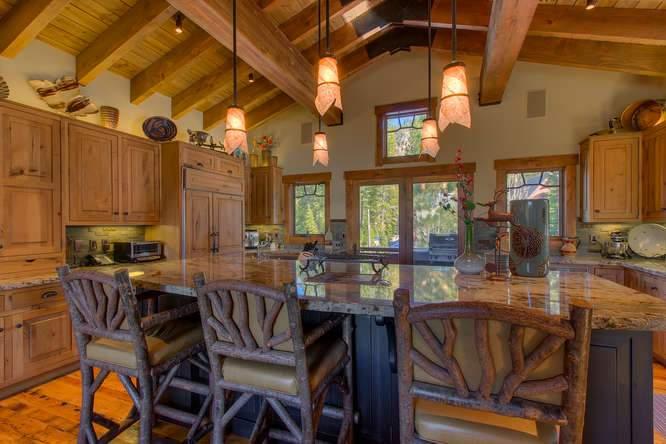 115 Creekview Ct 3950000-small-010-69-KitchenBreakfast Bar-666x444-72dpi