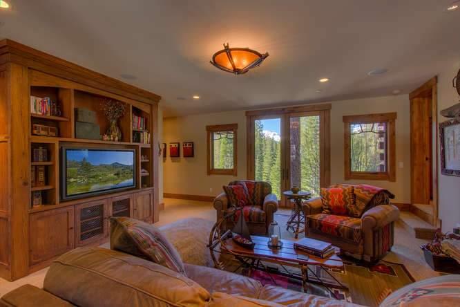 115 Creekview Ct 3950000-small-028-60-Family Room-666x444-72dpi