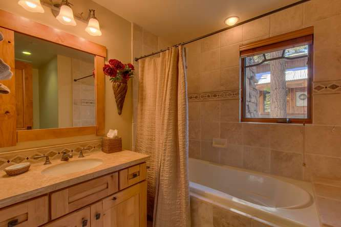 115 Creekview Ct 3950000-small-033-72-Bathroom-666x444-72dpi