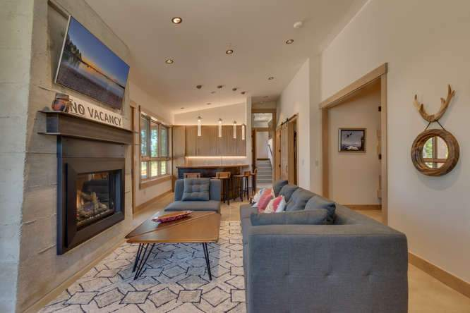 19040 Glades Pl Truckee CA-small-044-54-Warming Hut Living Area-666x444-72dpi