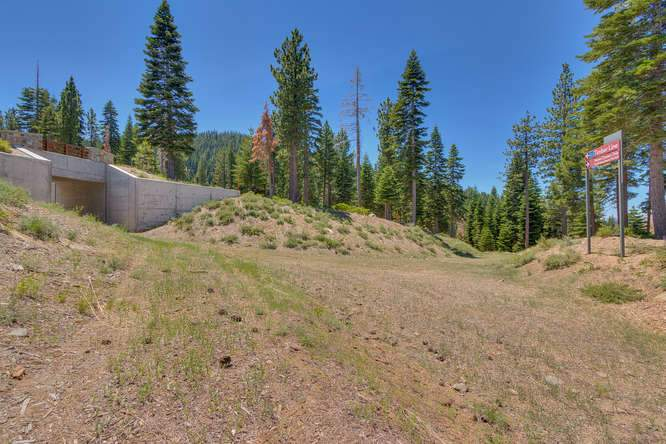 19040 Glades Pl Truckee CA-small-051-80-Ski In Ski Out-666x444-72dpi