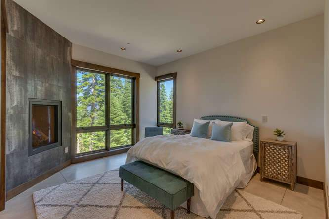 19040 Glades Pl Truckee CA-small-08 Bedroom 2 Ensuite 1-666x444-72dpi