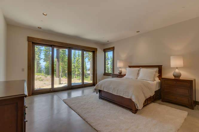19040 Glades Pl Truckee CA-small-08 Bedroom 5 Ensuite-666x444-72dpi
