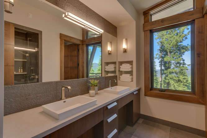 19040 Glades Pl Truckee CA-small-09 Bathroom 1-666x444-72dpi