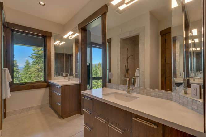 19040 Glades Pl Truckee CA-small-09 Bathroom 2-666x444-72dpi