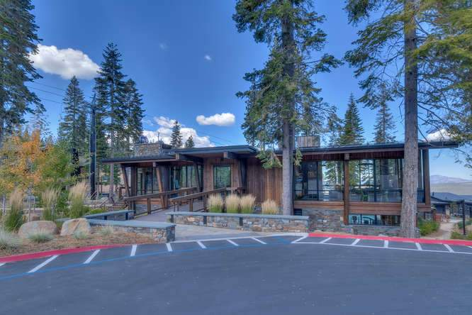19040 Glades Pl Truckee CA-small-09 Treehouse at Mountainside 2-666x444-72dpi
