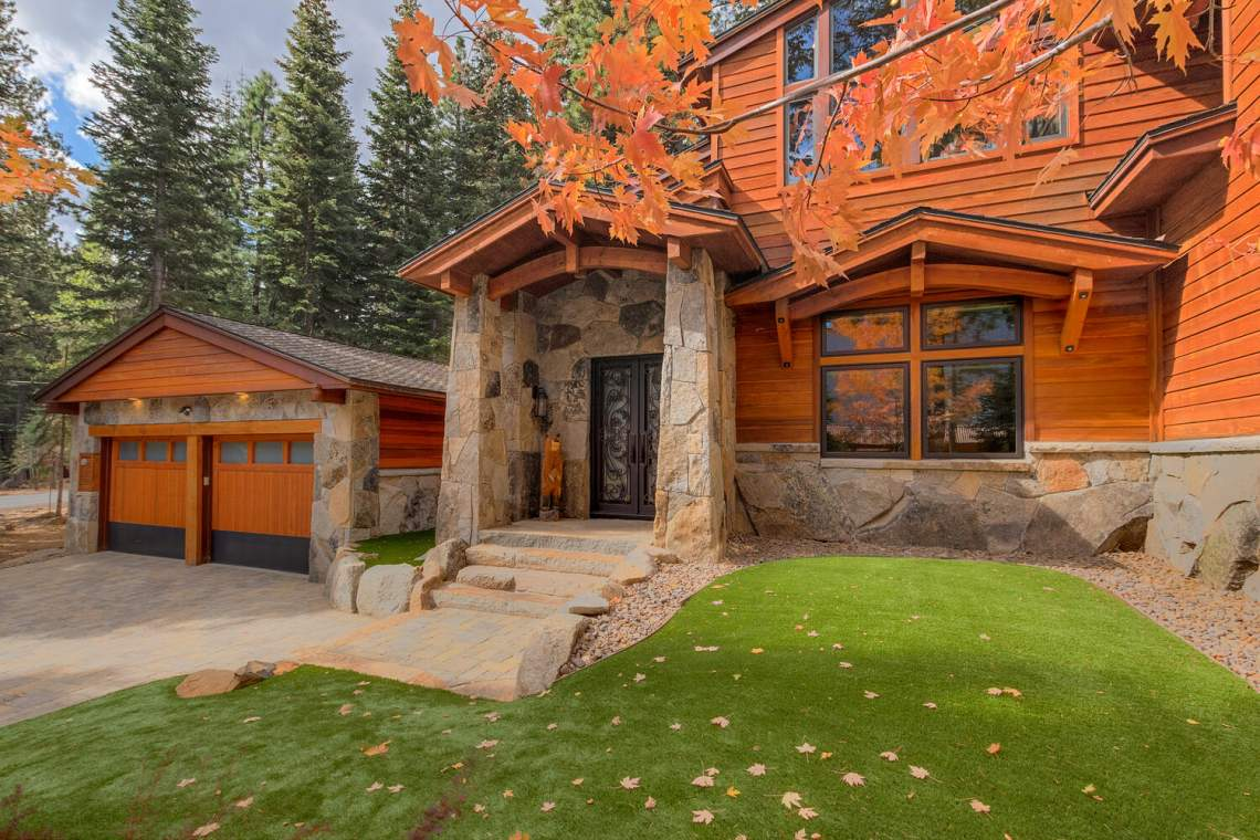 12373-Greenleaf-Way-Truckee-CA-large-004-011-Front-Entry-Detail-1500x1000-72dpi