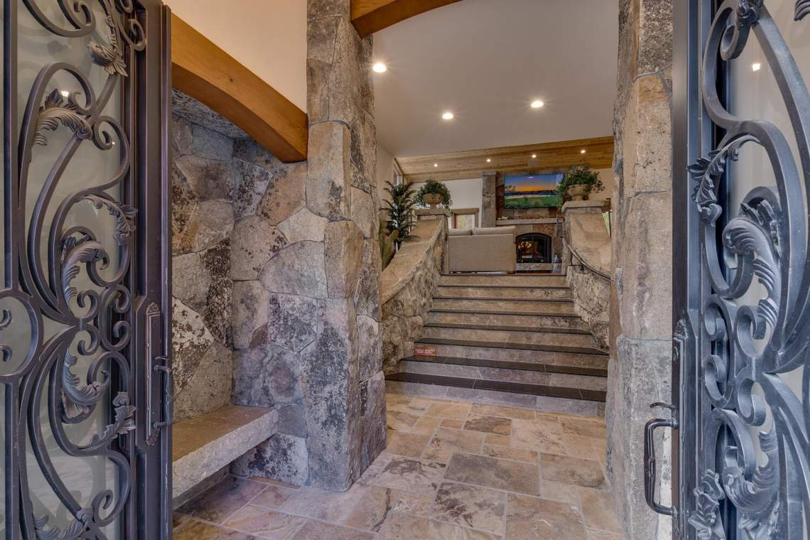 12373-Greenleaf-Way-Truckee-CA-large-006-035-Front-Entry-Detail-1500x1000-72dpi