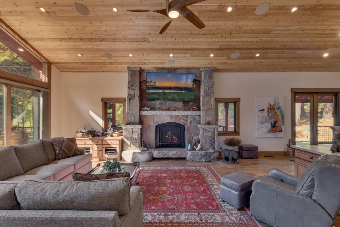 12373-Greenleaf-Way-Truckee-CA-large-007-032-Living-Room-1500x1000-72dpi