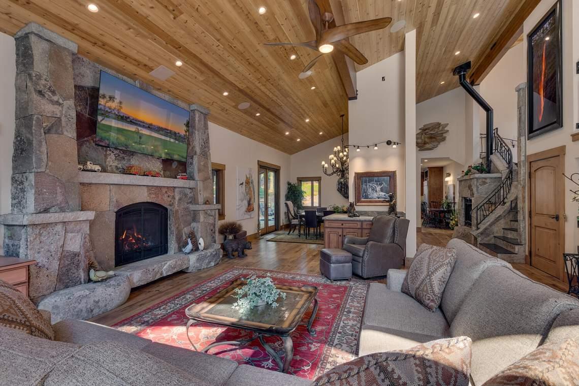 12373-Greenleaf-Way-Truckee-CA-large-011-042-Living-Room-1500x1000-72dpi