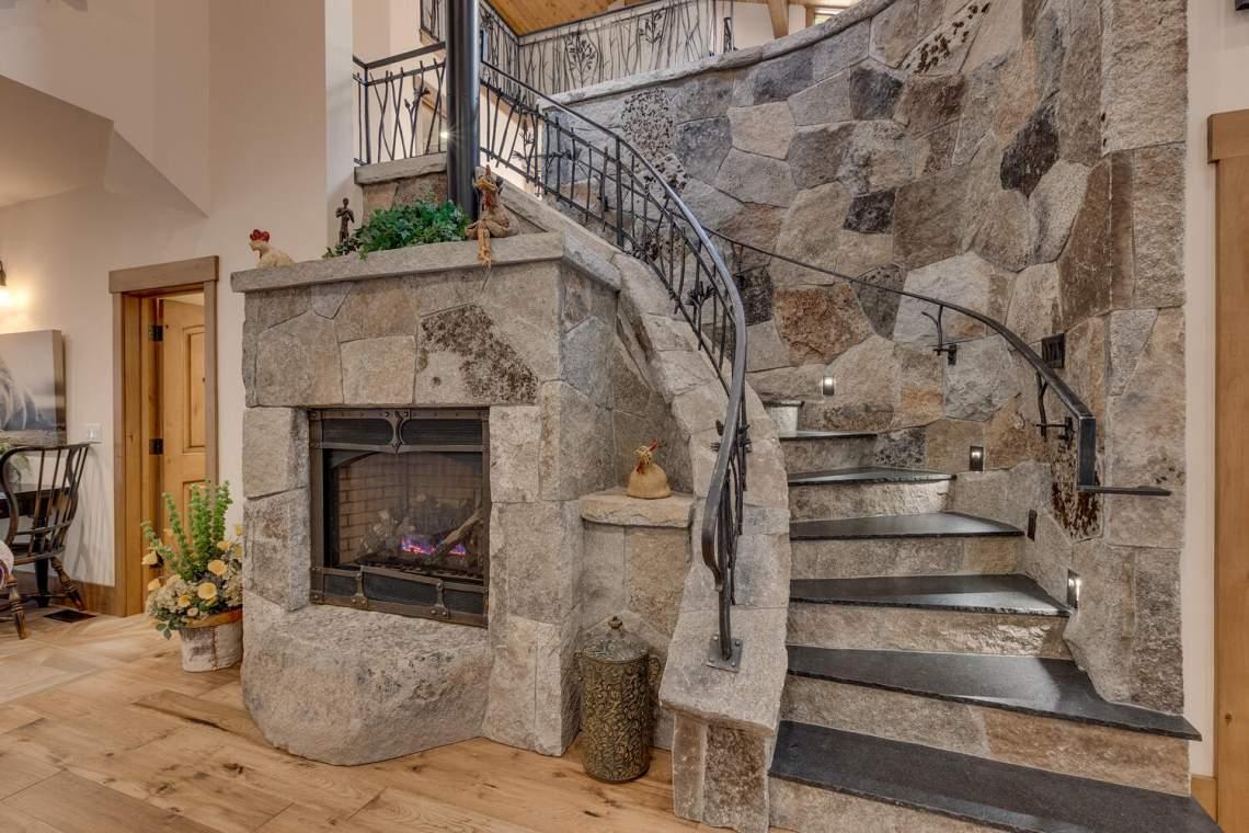 12373-Greenleaf-Way-Truckee-CA-large-012-012-Stairway-1500x1000-72dpi